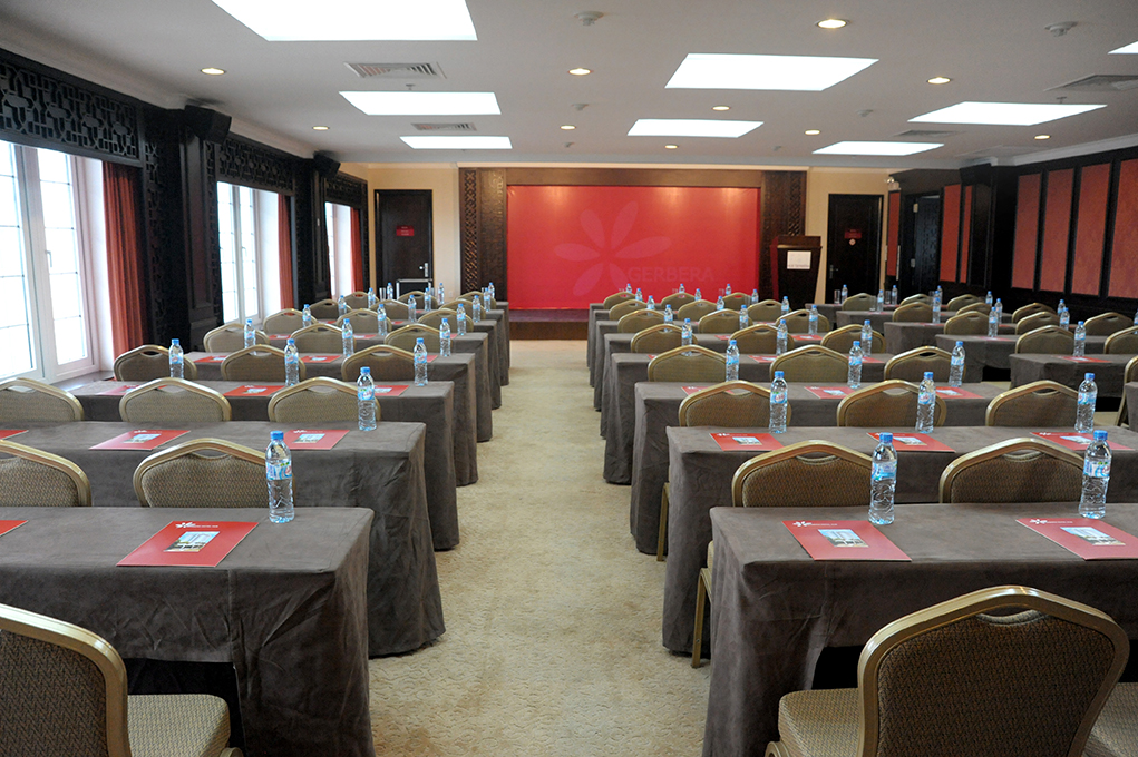 organizing conferences in Hue city